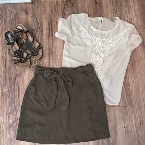 Loft skirt with front tie
